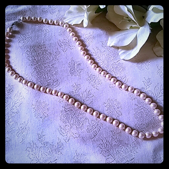 f5bea5ac09c89 Vintage Handknotted Faux Pearl Necklace